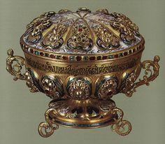 russianEnamels-чаша золотая. 1694 г. Мастерские Московского Кремля | Flickr - Photo Sharing!