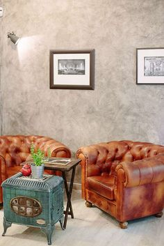 Chesterfield Chair, Coffee Shop, Madrid, Accent Chairs, Brunch, Board, Travel, Furniture, Home Decor