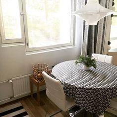 Uusi penkki keittiössä  . #kitchen #keittiö #penkki #sisustusinspiraatio #sisustus #myhome #instahome #home #interior #interiordesign #inredning #kök