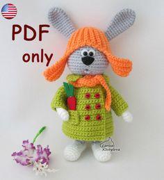 Nota: Este es un patrón solamente y no el juguete terminado!  Crochet patrones de Larisa Kostyleva  MATERIALES y herramientas que necesitará:  -cualquier hilo en gris, naranja, verdes y blancos colores claros (utilicé hilo acrílico 100%, 100 g/300 m); -coincidencia gancho de ganchillo (yo usé 1,75 mm); -alambre-el diámetro y la cantidad depende del tamaño de tu juguete-usé aproximadamente 50 cm (19,7 pulgadas) de alambre de 1,5 mm de diámetro; -un par de granos mitad negros para los ojos…