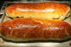 Ha van igazán karácsonyi süti, akkor a bejgli az!!! Hot Dog Buns, Hot Dogs, Bread, Recipes, Food, Advent, Drink, Basket, Candy