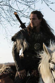 "Alexander Dreymon as Uhtred in ""The Last Kingdom"" Season 1 Lagertha, Uhtred De Bebbanburg, The Last Kingdom Series, Alexander Dreymon, Eddard Stark, Bernard Cornwell, Anglo Saxon, Outlander, Queen"