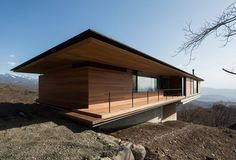 Mountainside Home in Japan