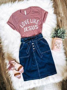 On a regular basis Style☼ Modest summer season outfits. Cute Church Outfits, Modest Summer Outfits, Denim Skirt Outfits, Casual Summer Outfits, Stylish Outfits, Spring Outfits, Denim Skirts, Church Outfit Summer, Jean Skirts