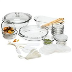 33 Piece Glass Cookware Set - Made In The USA from Hearts Attic. Saved to Epic Wishlist. New Kitchen, Kitchen Dining, Kitchen Racks, Kitchen Oven, Kitchen Furniture, Furniture Design, Safest Cookware, Kitchen Cookware Sets, Famous Recipe