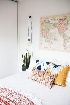 5 Stunning Cool Tricks: Minimalist Bedroom Diy Home minimalist interior loft exposed brick.Modern Minimalist Home Interior minimalist bedroom design open wardrobe. Cozy Bedroom, Girls Bedroom, Girls Canopy, Trendy Bedroom, Bedroom Simple, Modern Bedroom, Budget Bedroom, Modern Bohemian Bedrooms, Bedroom Wall