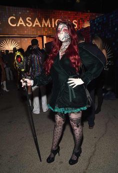 Michelle Trachtenberg from Stars Celebrate Halloween 2017 Celebrity Halloween Costumes, Halloween Fashion, Halloween 2017, Halloween Outfits, Michelle Trachtenberg, Persephone, Diy Clothes, Costume Ideas, Celebrity Style