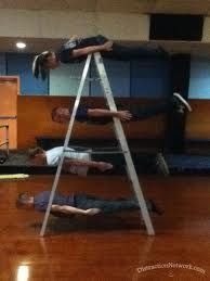 this would surely sell on Danoz Direct if they did a plank demo on it! Planking, Ladder, Laughing, Funny Stuff, Creativity, Public, Fat, Awesome, Board