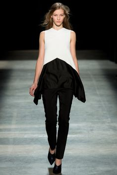 Black Durable Modeling Intelligent Ladies Lounge Wear Activewear