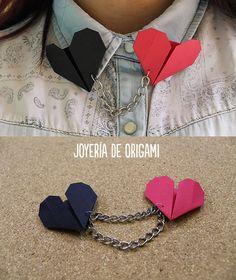 Lindos corazones de origami que puedes hacer como accesorio para tu blusa #origami #Tutocg #paperhearts