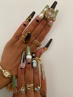 Bling Acrylic Nails, Best Acrylic Nails, Acrylic Nail Designs, Stiletto Nails, Minimalist Nails, Nail Swag, Garra, Hair And Nails, My Nails