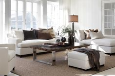 White seats are classic and classy Zen Living Rooms, Home And Living, Living Room Furniture, Salons Zen, Home Interior Design, Interior Styling, Furniture Layout, Living Room Lighting, Scandinavian Interior
