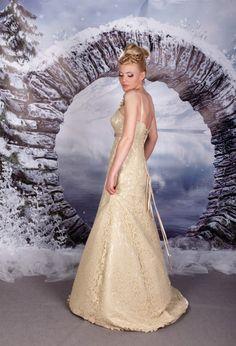 suknie ślubne tofi ecru prosta tren