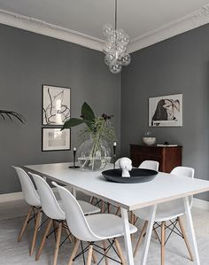 Chek out tons of beautiful grey dining room ideas that will totally inspire you! Pick the best one and update your own dining room now! Living Room Grey, Living Room Modern, Living Room Decor, Living Spaces, Small Living, Living Rooms, Room Interior, Interior Design, Interior Staircase