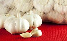 Κιρσοί: αντιμετωπίστε τους με σπιτικά γιατροσόφια | clickatlife.gr Garlic, Vegetables, Health, Mary, Carving, Box, Snare Drum, Health Care, Veggies