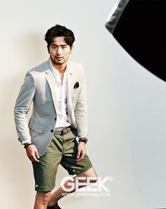 We almost overlooked Lee Jin Wook's feature in this month's GEEK. Korean Men, Korean Actors, Asian Men Fashion, Mens Fashion, Lee Jin Wook, Geek Magazine, Single Women, Single Ladies, Portrait Photography Men