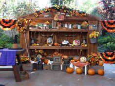 Halloween Carnival Decor at the Big Thunder Ranch