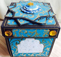 """""""Kerala"""" box, with the lid closed"""