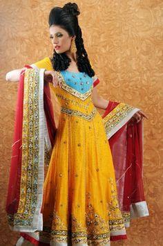 Mehndi Dress Designs For Girls