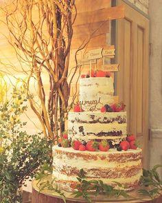 ウェディングケーキの写真。自分でも色々な角度から撮りたかったなぁ✨ このケーキトッパーは式後、持って帰ってきたので、結婚式記念日にまたこれを使ってお祝いしたいなぁと思います✨ #trunkbyshotogallery#TsumugiWedding#ウェディングケーキ#ネイキッドケーキ #ケーキトッパー#披露宴#披露宴会場#結婚式#結婚式準備 #プレ花嫁 #結婚式記念日#大人ウェディング#ナチュラルウェディング#オリジナルウェディング#コンセプトウェディング