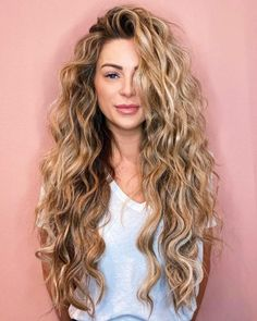 Blonde Highlights With Lowlights, Blonde Highlights Curly Hair, Red Blonde Hair, Brown Curly Hair, Silver Blonde, Long Brown Hair, Curly Hair Cuts, Light Brown Hair, Curly Hair Styles