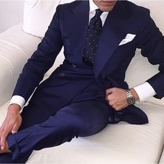 Mens Fashion Night Out Gentleman Mode, Gentleman Style, Sharp Dressed Man, Well Dressed Men, Fashion Night, Suit Fashion, Fashion Menswear, Navy Blue Suit Combinations, Blue Suit Men