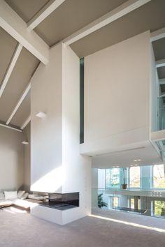 Vista interior de la casa HLBH por NAT OFFICE. Fotografía © Filippo Poli.