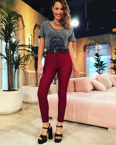 @pampitaoficial total look de ayer por @ginebrabsas @rickysarkany Capri Pants, People, Clothes, Instagram, Fashion, Winter, Dress Up, Girls, Style