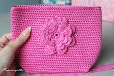 Prinsessajuttu: Toivepostaus: Virkattu kosmetiikkapussi, OHJE Princess Stories, Crochet Projects, Diy Projects, Diy Bags Purses, Small Case, Crochet Purses, Crochet Bags, Pouch, Wallet