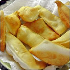 Italian Gnocco Fritto - Fried Dough Puffs #appetizer Recipe full of pictures and videos on how to make it
