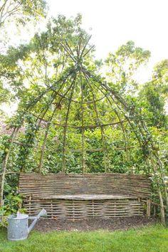 39 Best DIY Garden Trellis Ideas To Consider[Listicles] Dream Garden, Garden Art, Garden Beds, Screen Plants, Garden Trellis, Moss Garden, Flowers Garden, Vegetable Garden Design, Vegetable Gardening
