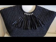 Crochet Handbags, Crochet Purses, Bead Crochet Rope, Crochet Lace, Crochet Christmas Gifts, Beaded Bags, Crochet Videos, Knitted Bags, Handmade Bags