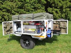 'n Boshuis op wiele Truck Bed Trailer, Camping Trailer Diy, Off Road Camper Trailer, Diy Camping, Truck Camper, Airstream Camping, Camping Outdoors, Family Camping, Camping Ideas