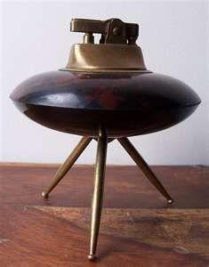 Vintage Bakelite mid-century cigarette lighter - UFO design.