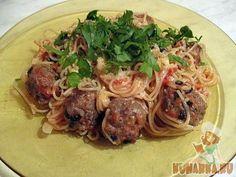 Классический рецепт итальянской кухни, популярный в самых разных вариациях во всех регионах Италии и ставший не менее популярным во всём мире. Просто, вкусно и доступно в любой сезон.