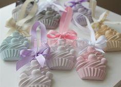 Cupcake 1 - 50 Adet Arası 2.50.TL  50 - 100 Adet Arası 2.TL  100 - 500 Adet Arası 1.70.TL  100TL ve üzeri alışverişlerinizde kargo ÜCRETSİZDİR
