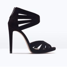 HPNWT ZARA black high heel suede sandals NWT ZARA black high heel suede sandals with heel zipper ❌ no trades ❌.              ✅ reasonable offers accepted ✅ Zara Shoes Heels