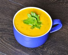 Sweet Potato - Carrot Soup. Super easy, crazy healthy, gluten-free and vegan. This is what you make on a freezing cold day! #vegan #recipes