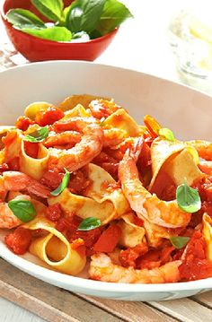 Low FODMAP Recipe and Gluten Free Recipe - Shrimp with a fresh tomato sauce   http://www.ibs-health.com/low_fodmap_shrimp_fresh_tomato_sauce.html