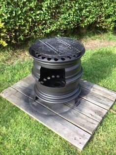 Rim Fire Pit, Wheel Fire Pit, Fire Pit Grill, Cool Fire Pits, Fire Pit Backyard, Fire Pit And Barbecue, Diy Wood Stove, Outdoor Shower Enclosure, Fire Pit Designs