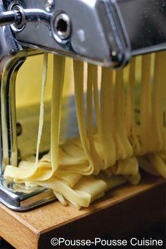 Les pâtes fraîches Machine A Pate Fraiche, Fruits Secs Bio, Culinary Arts, Healthy Nutrition, Food Videos, Vegetarian Recipes, Food And Drink, Tasty, Cooking