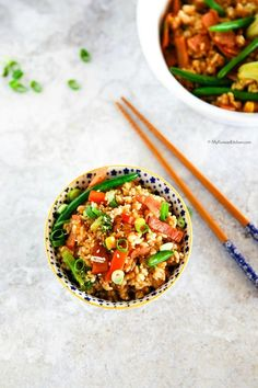 How to Make Easy Fried Rice. Steamed rice is stir fried with crispy bacon and a mix of frozen vegetables. Ready in 20 mins. It's simple and easy!