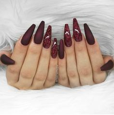 Deep und Glitter Nail Designs und Nail Arts verpassen Sie nicht – Nageldesign & Nailart, You can collect images you discovered organize them, add your own ideas to your collections and share with other people. Red Stiletto Nails, Red Acrylic Nails, Coffin Nails, Dark Nails With Glitter, Red Nail Designs, Acrylic Nail Designs, Burgundy Nail Designs, Fall Designs, Classy Nail Designs