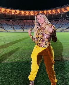 "Karol G has united with Brazilian artist Léo Santana for ""Vibra Continente,"" the official song for the 2019 Copa America running from June 14 to July 7 in Brazil. Edm Girls, Martha Julia, Party Hard, Balenciaga, Latin Artists, Chica Cool, Becky G, Crochet Round, Famous Women"