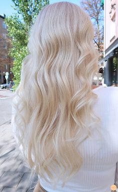 Bright Blonde Hair, White Blonde Hair, Blonde Hair Looks, Honey Blonde Hair, Beach Blonde Hair, Light Blonde, Blonde Hair Inspiration, Platinum Hair Color, Aesthetic Hair