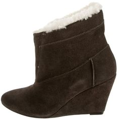 Pre-owned Iro Wedge Booties ($175) ❤ liked on Polyvore featuring shoes, boots, ankle booties, grey, wedge ankle booties, gray wedge booties, grey booties, suede wedge booties and grey ankle booties Grey Booties, Ankle Booties, Wedge Boots, Wedge Heels, Grey Wedges, Peep Toe, Booty, Shoe Bag, Shoes