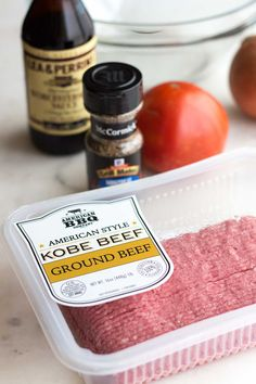 The best low carb bunless burger recipe. Ingredients for a low carb steakhouse burger: American style kobe ground beef, Worcestershire sauce, Montreal steak seasoning, and tomatoes. Steakhouse Burger Recipe, Steak Burger Recipe, Ground Beef Burger Recipe, Montreal Steak Seasoning Recipe, Hamburger Seasoning, Best Burger Recipe, Burger Recipes, Keto Recipes, Free Recipes