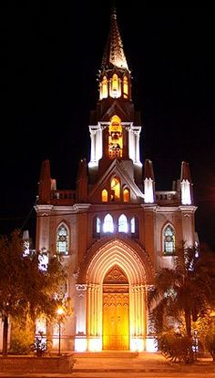 Basílica de Guadalupe- Santa Fe New Mexico Homes, New Mexico Usa, Places In Usa, Places To Travel, New Mexico Santa Fe, Santa Fe Style, Unique Restaurants, New Mexican, Land Of Enchantment