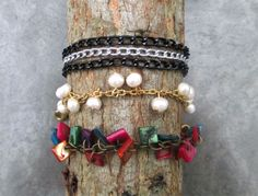 Pack of bracelets, with pearls, chains and colored beads. #Handmade #Bracelets #