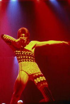 Japanese Designer Kansai Yamamoto Has Died at 76 | Vogue Glam Rock Attire, Kansai Yamamoto, Mick Ronson, David Bowie Ziggy, Teased Hair, Image Model, Ziggy Stardust, Latest Albums, Style Snaps